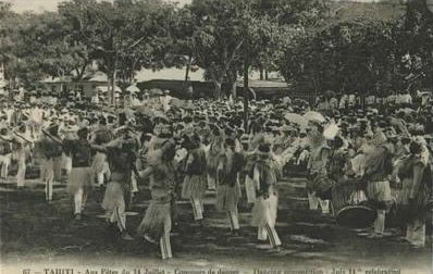 Old postcard TAHITI Dancing Competition