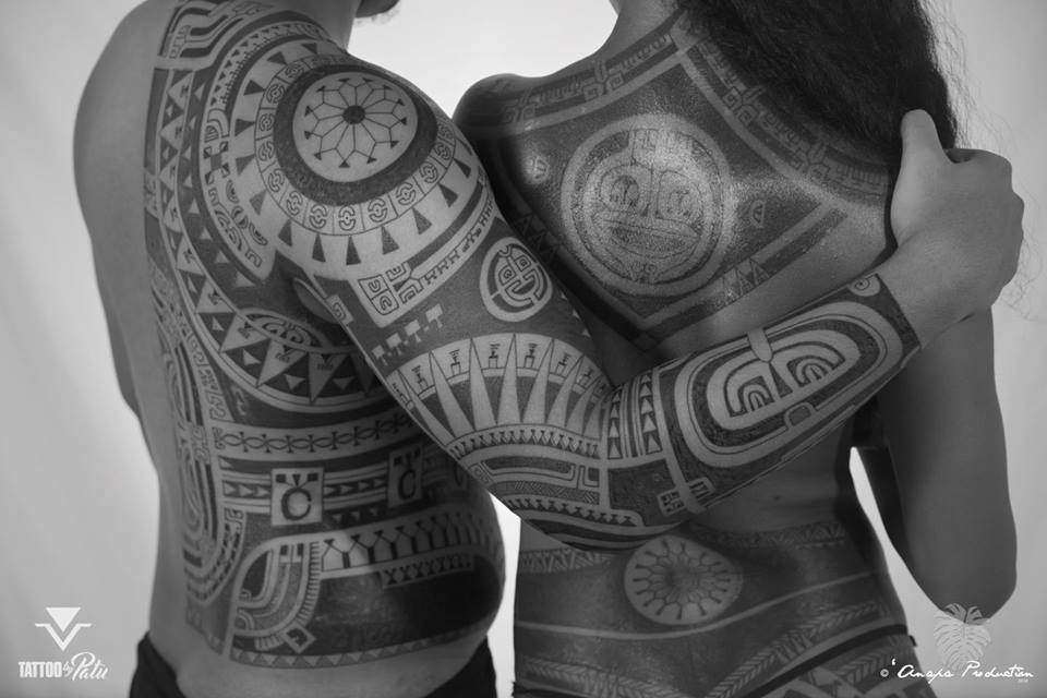Tahitians the ink in the skin for Polynesian tattoo artist